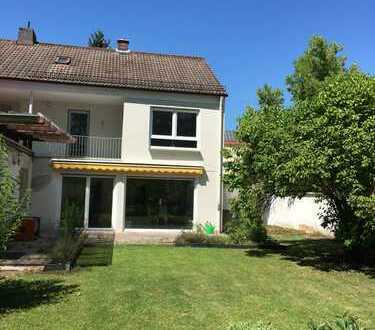 Schönes Haus mit sechs Zimmern in Augsburg Hochzoll-Mitte