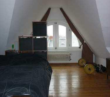 Bonn-Südstadt, reizvolle 2-Zi.-Dachwohnung