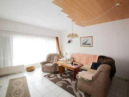 Schön geschnittene, helle und gepflegte 3-Zimmer-Wohnung mit Balkon