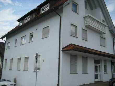 Gepflegte 2,5-Zimmer-Wohnung mit Balkon und Einbauküche in Gammertingen
