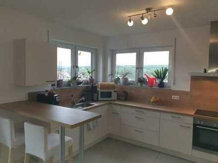 Neuwertige 3-Zimmer-Wohnung mit Balkon und Einbauküche in Obernburg am Main
