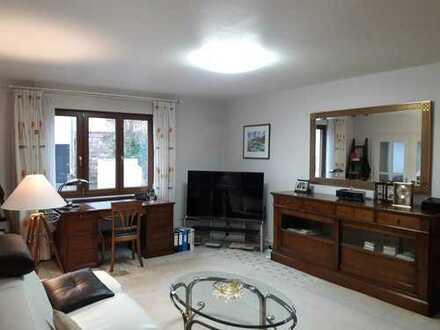 Hochwertige, möblierte 5-Zimmer-EG-Wohnung mit Einbauküche, Terrasse und Garage in Kleinblittersdorf