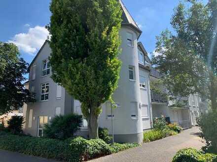 Elegante, vollständig renovierte 3-Zimmer-Wohnung mit Loggia und Tiefgarage in WI-Schierstein