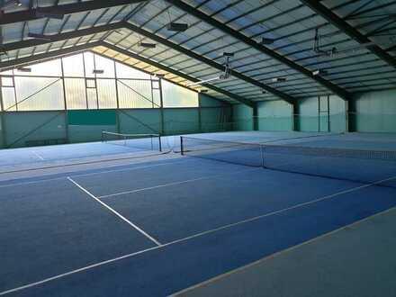 Tennis-, Sport- oder Lagerhalle zu verkaufen!