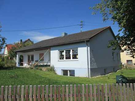 renovierter Bungalow im Grünen, hell, geräumig, 4 Zimmer, großer Garten