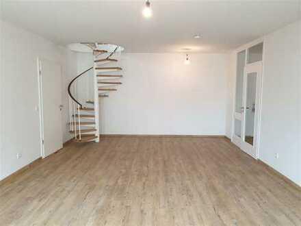 N-Galgenhof! Kernsanierte 3-Zimmer-Maisonette-Wohnung!
