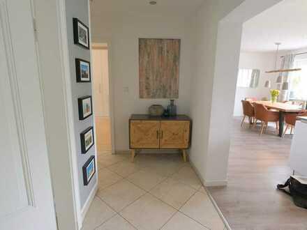 Moderne, Top sanierte 3-ZimmerWohnung mit kleinem Balkon