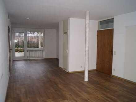 Attraktives Wohnen: grün und zentral   3-Zimmer-Wohnung in schöner Wohnlage.