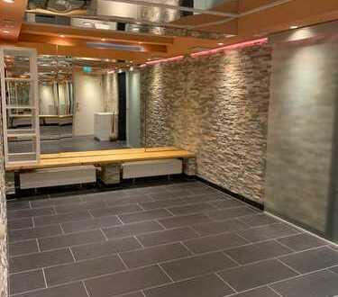 Massage und Wellnessraum mit Sauna und Duschen in einem Gästehaus an einen Masseur/in zu vermieten!