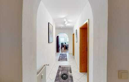 Modernisierte 3-Raum-Wohnung mit Balkon und Einbauküche in Langenselbold