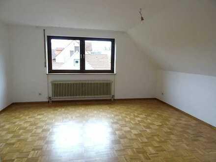 Sonnige 3 Zimmer Wohnung mit Balkon und Tiefgaragenstellplatz