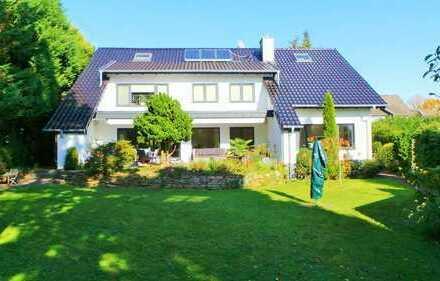 Hochwertig saniertes und luxuriös ausgestattetes Anwesen mit 2 Einliegerwohnungen