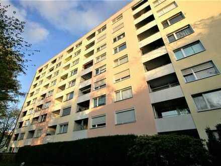 Schöne, gepflegte 4,5-Zimmer-Wohnung mit Balkon ideal als Kapitalanlage