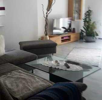 Modernisierte 3-Zimmer-EG-Wohnung mit Balkon und Einbauküche in Reutlingen (Kreis)