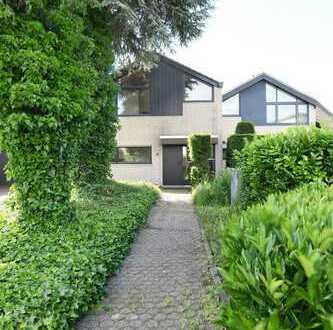 Modern und hell wohnen! Einfamilienhaus mit großem Grundstück. Toller Ausblick. In Junkersdorf.