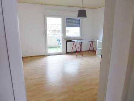 Ansprechende 2-Zimmer-Wohnung mit Einbauküche und Balkon in KH