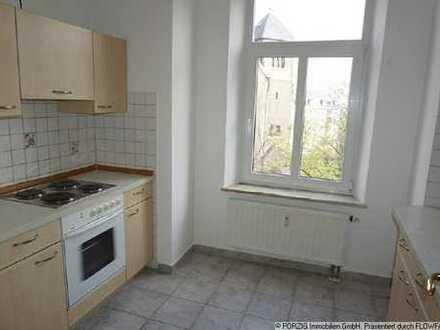 +++ 2-R.-Whg mit Einbauküche u. Balkon +++