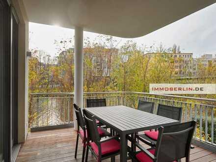 IMMOBERLIN.DE - Wasserblick! Luxuriöse Wohnung mit Südwestbalkon an der Spree