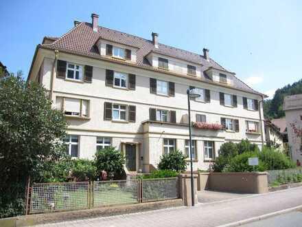 Wohnen in historischem Gebäude! 3 Zi Wohnung in Schramberg Stadtmitte