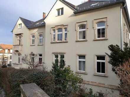 Komplett neu gestaltete 3-Raum-Wohnung mit grandiosem Blick über Dresden !