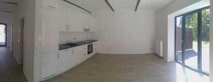 Modern ausgestattete, lichtdurchflutete zwei Zimmer Wohnung in Köln, Volkhoven/Weiler