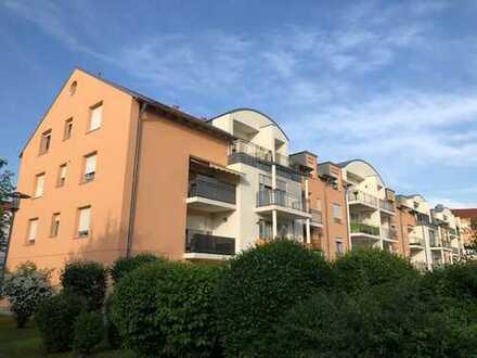 Gepflegte 3-Zimmer-Dachgeschosswohnung mit Balkon in Königsbrunn mit TG-Stellplatz