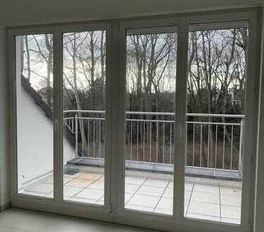 Erstbezug Neubau 4 ZI Küche, Bad, Gäste-WC, 2 Balkone + 40 qm Dachgeschoss