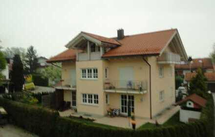 Hochwertige, helle 3-Zimmer-Wohnung mit Balkon und Gartenanteil in Brannenburg
