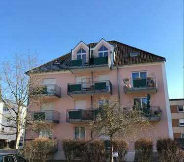 2,5-Zimmer Obergeschosswohnung mit Balkon und Galeriezimmer im DG