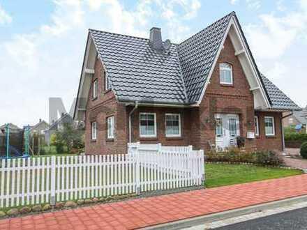 Neuwertiges Traumhaus mit sonnigem Garten, Solaranlage und Garage in Nordseenähe