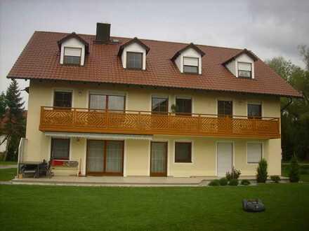 Alles auf einer Ebene! 145 m² große 4-Raum-Wohnung mit Balkon