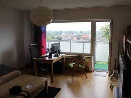 Gepflegte 2-Zimmer-Terrassenwohnung mit Balkon und EBK in Esch/Auweiler, Köln