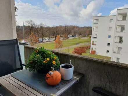 Gepflegte 2-Zimmer-Wohnung mit Balkon und Einbauküche in Obersendling, München