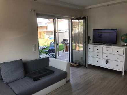 Neuwertige 2-Raum-Wohnung mit Terrasse und Einbauküche in Oberhausen