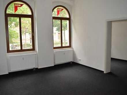 Großzügige Büroräume mit schönem Hinterhof!!