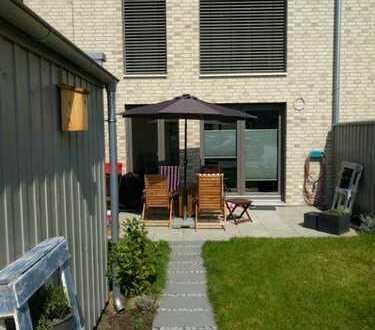 Helles 20qm Zimmer im neuen Haus zu vermieten / Large 20qm sunny room in new house available