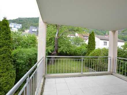Außergewöhnliche 4-Zimmer Maisonette-Wohnung/ Balkon/ Terrasse/ Gartennutzung