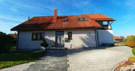 Freihstehendes Einfamilienhaus mit großem Garten, Büro im Keller und barierrefreiem Bereich - Privat