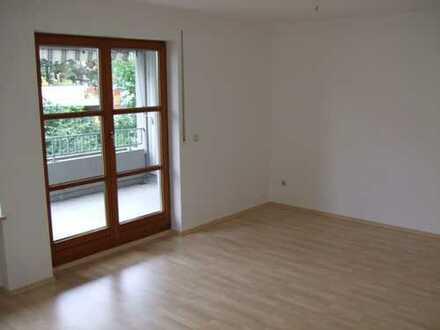 Ruhige, sonnige 2-Zimmer Wohnung mit Balkon, sehr gute Münchenanbindung