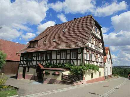 Liebhaberobjekt in Kieselbronn !! Charmantes Fachwerkhaus mit großer Scheune sucht neuen Eigentümer
