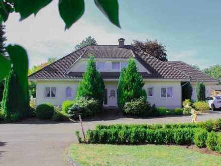 Großzügiges Einfamilienhaus in ruhiger Lage im Hunsrück, am südlichen Rande des Idarwaldes