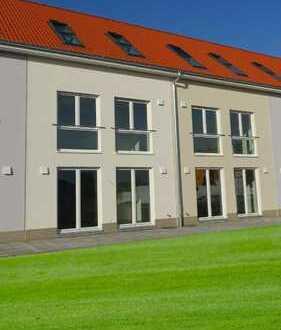 Reihenhaus mit Garten. 155 helle m² im verkehrsgünstigen Schkeuditz. 1 Monat Grundmiete frei!