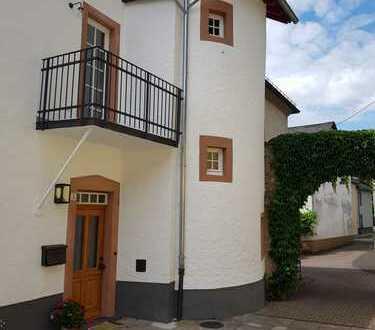 Denkmalgeschützt und SEHR BESONDERS.....Wohnhaus in Altstadt-Ensembel unterhalb der Burg Kerpen