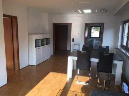 Haustiere nach Absprache! Schöne, geräumige zwei Zimmer Wohnung in Stuttgart, Ost