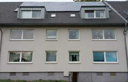 Sehr schöne Dachgeschosswohnung in gepflegtem 6-Familienhaus