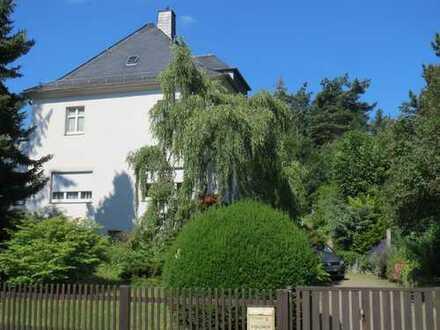 Das GLÜCK!... ist RESERVIERT....! EFH- 30- Jahre Villa mit SAUNA,Garage auf gepflegtem Grundstück
