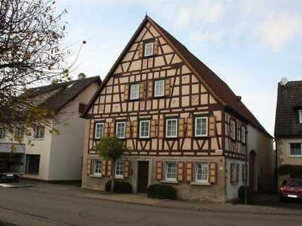Denkmalgeschütztes Bauernhaus mit Scheune in Schechingen
