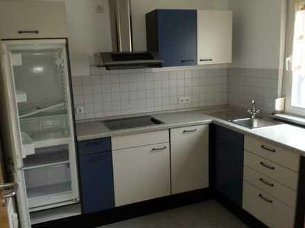 Vollständig renovierte 2,5-Zimmer-Dachgeschosswohnung mit Balkon und EBK in Ostalbkreis