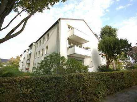 Bremen - Schwachhausen: Großzügige, ruhige 3 Zi.-Wohnung + Garage in bester Lage