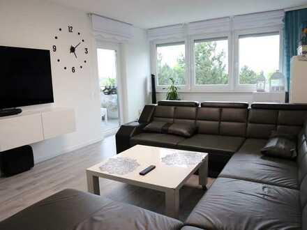 Gemütliche & helle 4 Zimmer Wohnung mit Balkon. Wunderschöne Ausblick.
